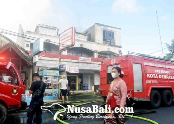 Nusabali.com - mess-dan-gudang-alfamart-sesetan-ludes-terbakar