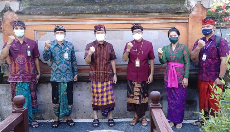 www.nusabali.com-bupati-klungkung-dukung-pendataan-keluarga-2021