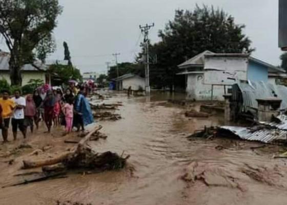 Nusabali.com - bnpb-banjir-bandang-flores-timur-23-korban-ditemukan-tewas