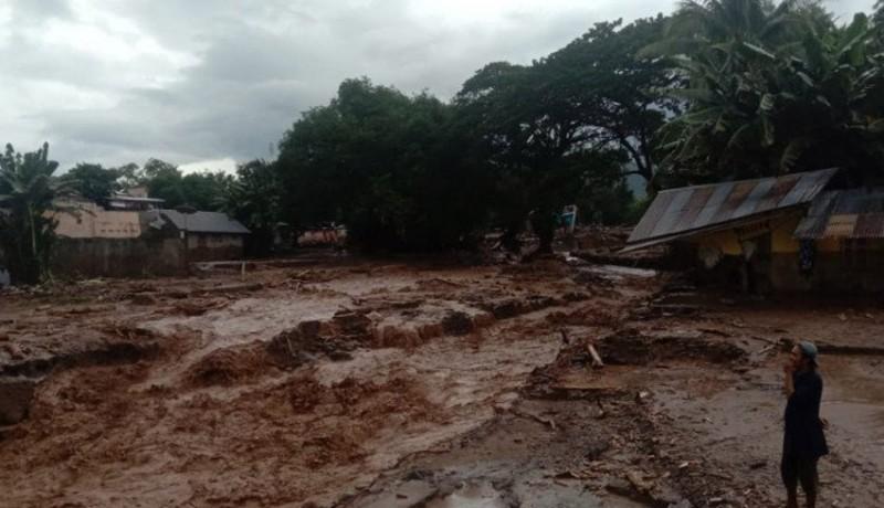 www.nusabali.com-40-rumah-tertimbun-longsor-100-warga-dilaporkan-hilang