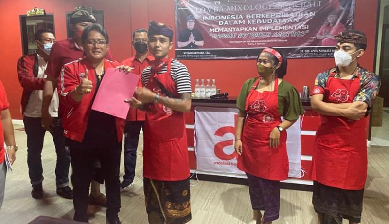 www.nusabali.com-7-peserta-bersaing-ketat-di-lomba-mixologi-arak-pdip-badung