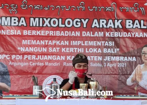 Nusabali.com - 14-bartender-jembrana-beradu-kreasi-mixologi-arak-bali