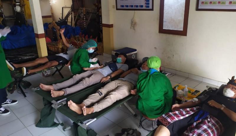 www.nusabali.com-pemungut-sampah-dan-donor-darah-diapresiasi-beras
