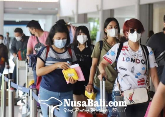 Nusabali.com - lima-hari-libur-paskah-puluhan-ribu-penumpang-masuk-bali