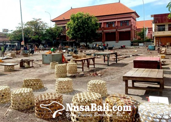 Nusabali.com - jam-operasional-pasar-banyuasri-amburadul