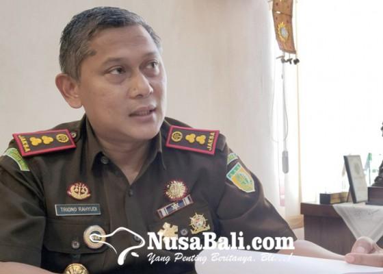 Nusabali.com - mantan-kabid-pertanian-jembrana-ditahan