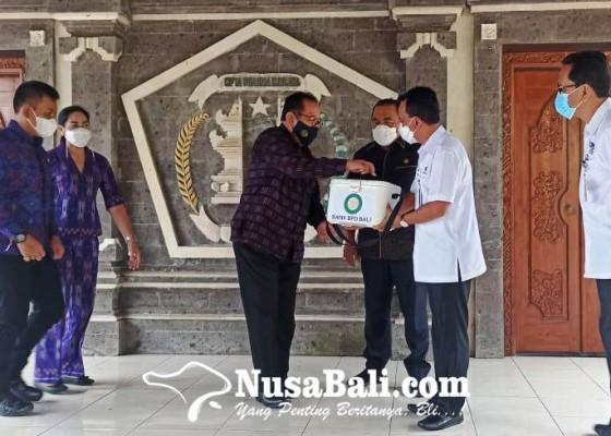Nusabali.com - bpd-bali-serahkan-bantuan-penyimpan-vaksin