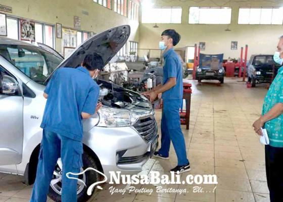 Nusabali.com - ukk-di-smkn-abang-libatkan-26-tenaga-lsp
