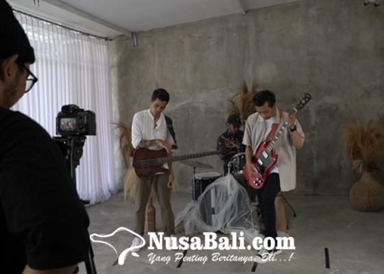 Nusabali.com - video-klip-perdana-unpleasant-feelings-starting-yesterday-segera-dirilis