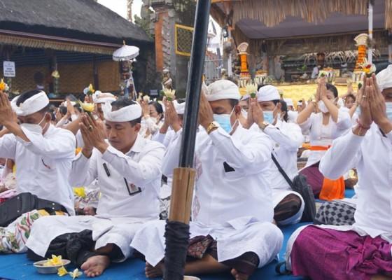 Nusabali.com - pemkab-klungkung-mapangayar-di-pura-ulun-danu-batur