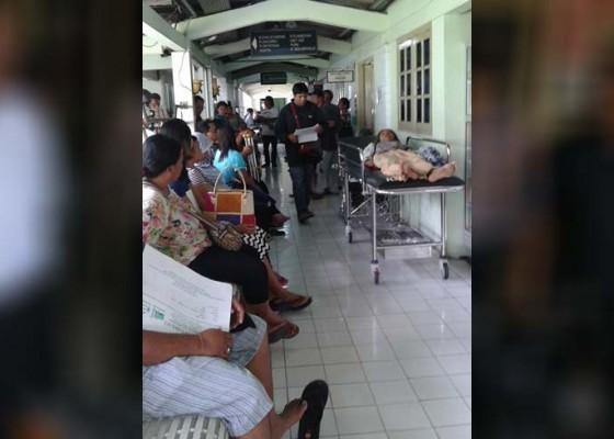 Nusabali.com - pasien-brsud-tabanan-dirawat-di-selasar