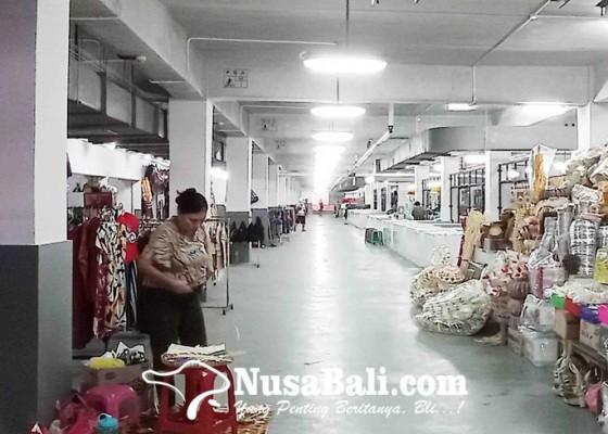 Nusabali.com - perumda-pasar-surati-pedagang-yang-belum-masuk-pasar-banyuasri