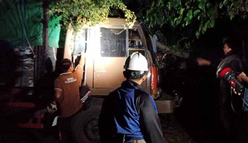 www.nusabali.com-bencana-puting-beliung-terjang-klungkung-40-bangunan-rusak
