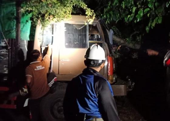 Nusabali.com - bencana-puting-beliung-terjang-klungkung-40-bangunan-rusak