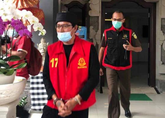Nusabali.com - terseret-dugaan-korupsi-hibah-bedah-rumah-rp-2025-miliar-perbekel-tianyar-barat-ditahan