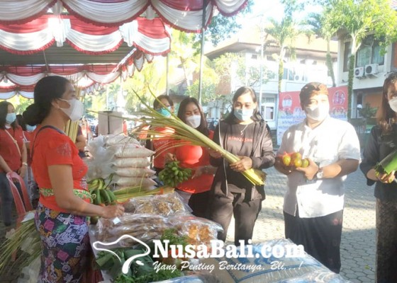 Nusabali.com - pasar-tani-pemkab-krisis-pembeli