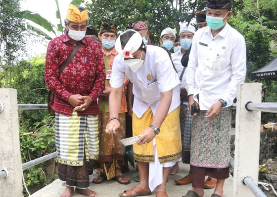 Nusabali.com - wabup-kasta-resmikan-jembatan-subak-sidayu