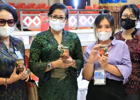 Nusabali.com - putri-koster-jadi-narasumber-di-unud-ikmumkm-diajak-terus-lestarikan-warisan-leluhur