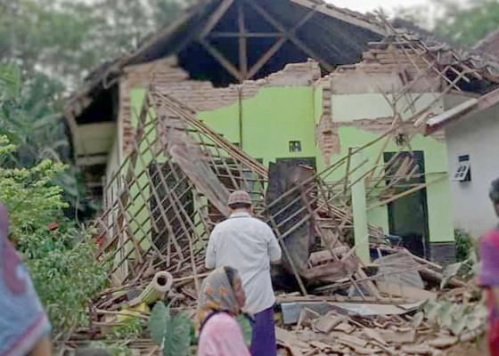 Nusabali.com - gempa-guncang-malang-8-tewas-puluhan-luka