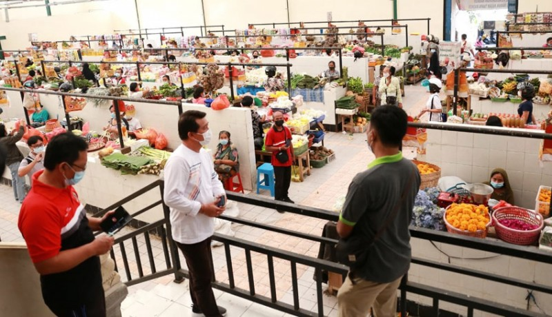 www.nusabali.com-bupati-suwirta-pantau-pasar-umum