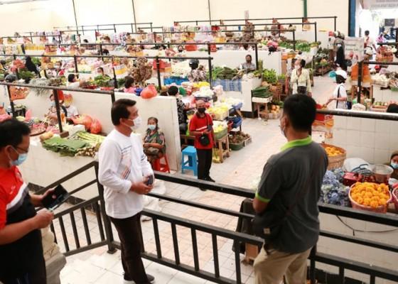 Nusabali.com - bupati-suwirta-pantau-pasar-umum