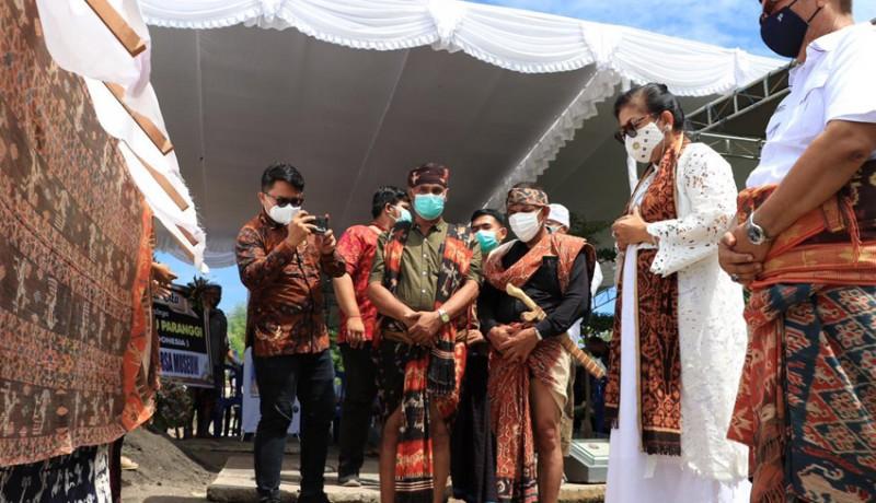 www.nusabali.com-putri-koster-sebut-umbu-sebagai-guru-alam