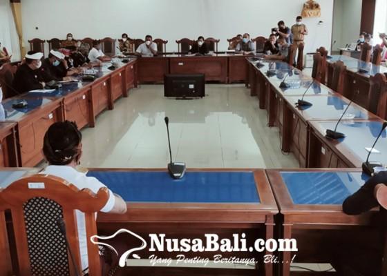 Nusabali.com - lahan-parkir-dirampas-warga-banyuasri-gerudug-dprd-buleleng