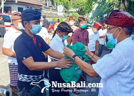 Nusabali.com - desa-adat-kedonganan-bagikan-10-ton-daging