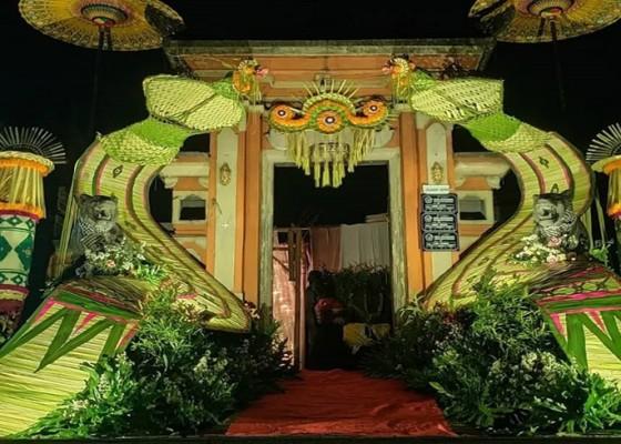 Nusabali.com - uniknya-dekorasi-janur-dibentuk-menjadi-layangan-janggan