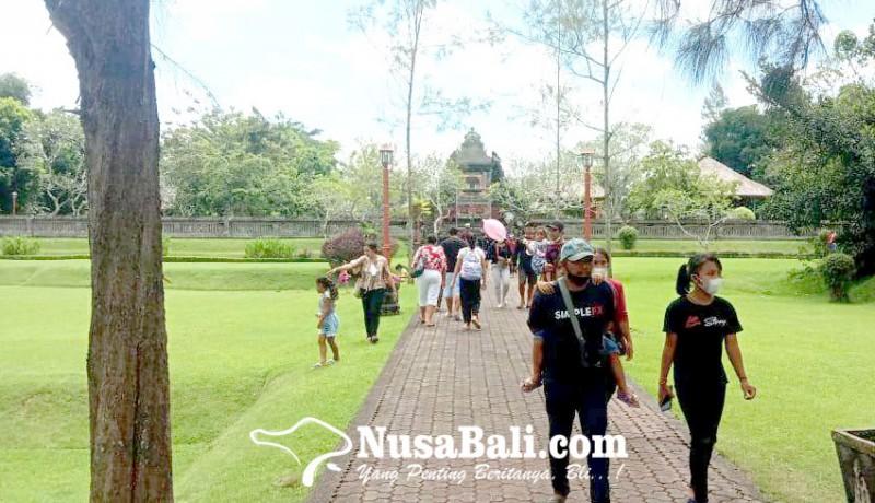 www.nusabali.com-umanis-galungan-objek-wisata-sangeh-banjir-pengunjung