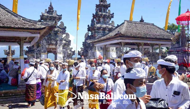 www.nusabali.com-pujawali-di-pura-lempuyang-sepi-pamedek