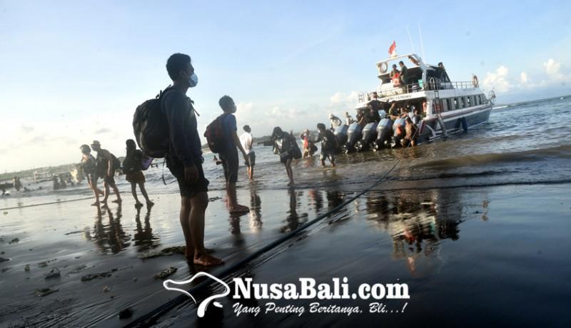 www.nusabali.com-boat-di-pelabuhan-sanur-masih-nganggur