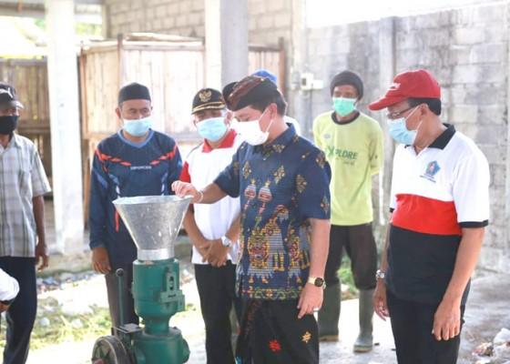 Nusabali.com - bupati-suwirta-bina-langsung-pengolahan-sampah-di-desa