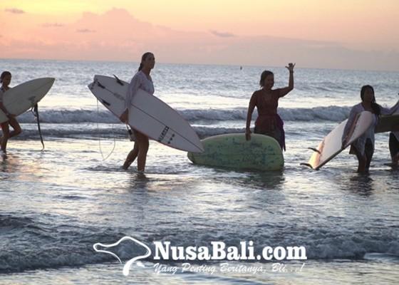 Nusabali.com - kartini-go-surf-sambut-hari-kartini-dan-dukung-pariwisata-bali-bangkit