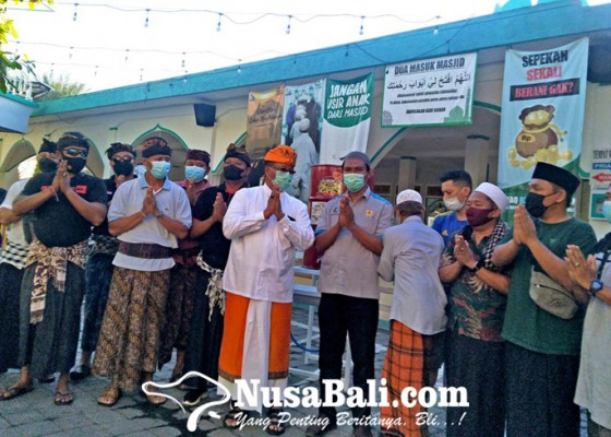 Nusabali.com - sambangi-masjid-agung-jami-puri-buleleng-sampaikan-pesan-kerukunan