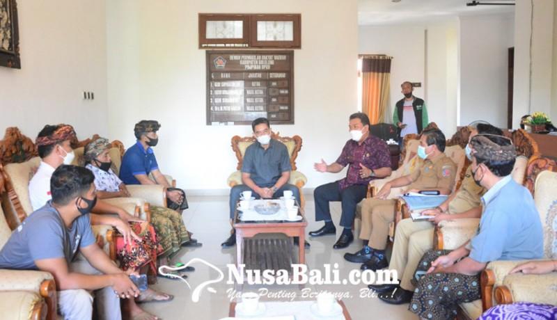 www.nusabali.com-pedagang-kecil-di-desa-giri-emas-mesadu-ke-dewan