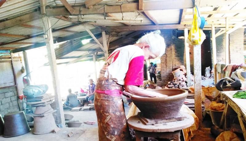 www.nusabali.com-hanya-dikerjakan-generasi-tua-kini-di-ambang-kepunahan