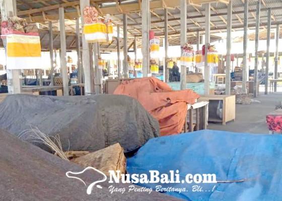 Nusabali.com - ditinggal-pedagang-pasar-relokasi-sepi