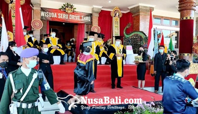 www.nusabali.com-stahn-mpu-kuturan-singaraja-gelar-wisuda-drive-thru
