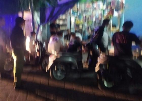 Nusabali.com - kerap-nongkrong-hingga-subuh-sekelompok-remaja-dibubarkan-petugas