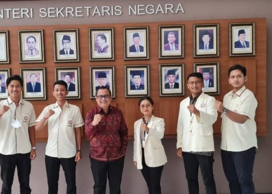 Nusabali.com - pp-kmhdi-kenalkan-pengurus-baru-ke-stafsus-presiden