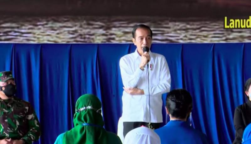 www.nusabali.com-presiden-jokowi-bertemu-keluarga-prajurit-kri-nanggala-402