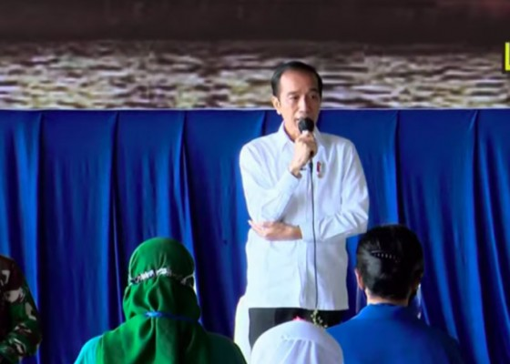 Nusabali.com - presiden-jokowi-bertemu-keluarga-prajurit-kri-nanggala-402