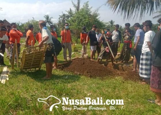 Nusabali.com - dikubur-nyulubang-jenazah-tanpa-kepala