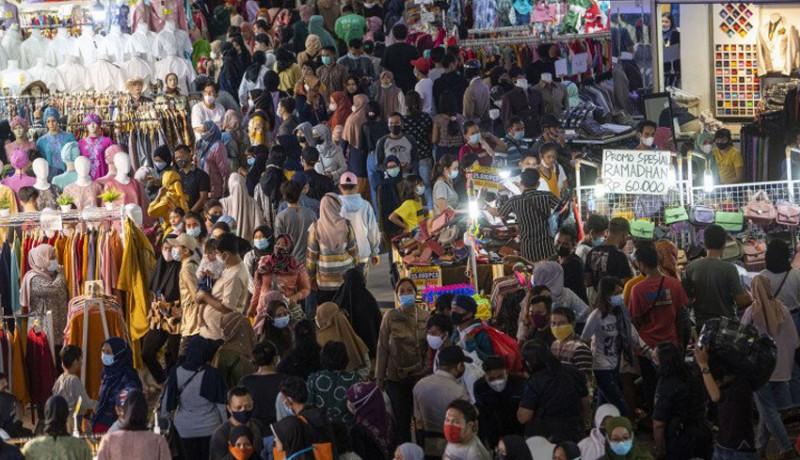 www.nusabali.com-lebih-100000-orang-kunjungi-pasar-tanah-abang-dalam-sehari