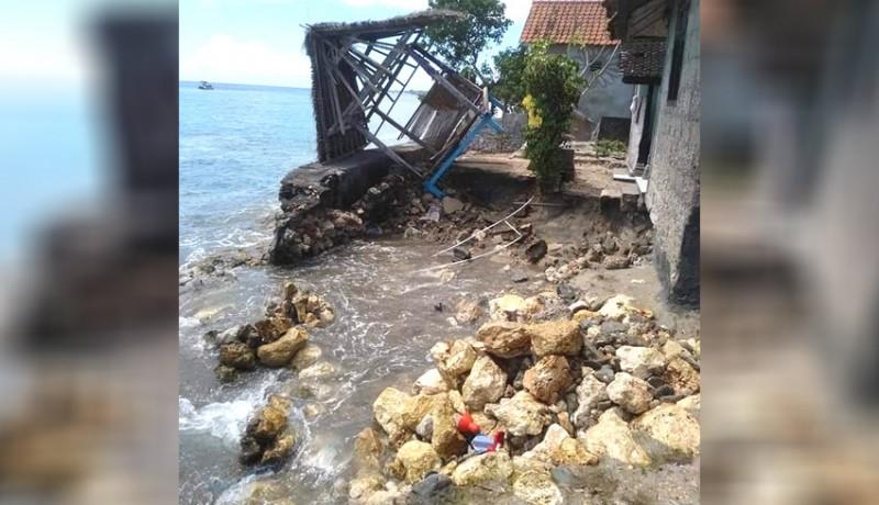 www.nusabali.com-rumah-warga-hancur-diterjang-ombak