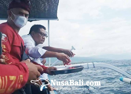 Nusabali.com - dpd-projo-bali-gelar-tabur-bunga-untuk-kri-nanggala-402