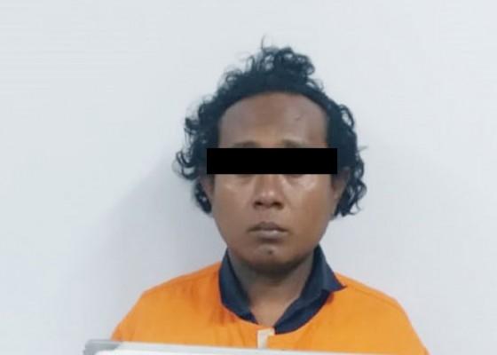 Nusabali.com - tukang-palak-di-pantai-kuta-diringkus