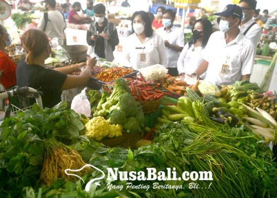 Nusabali.com - jelang-lebaran-disperindag-cek-bahan-pokok-di-pasar-phula-kerti