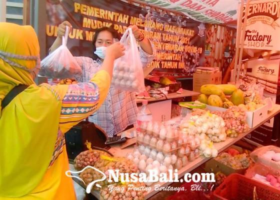 Nusabali.com - pasar-murah-disperindag-denpasar-diserbu-warga
